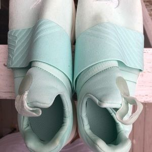 Nike Shoes - Nike Teal Sneakers NEW no box